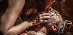 Índios que salvaram Santo na novela fazem ritual de luto