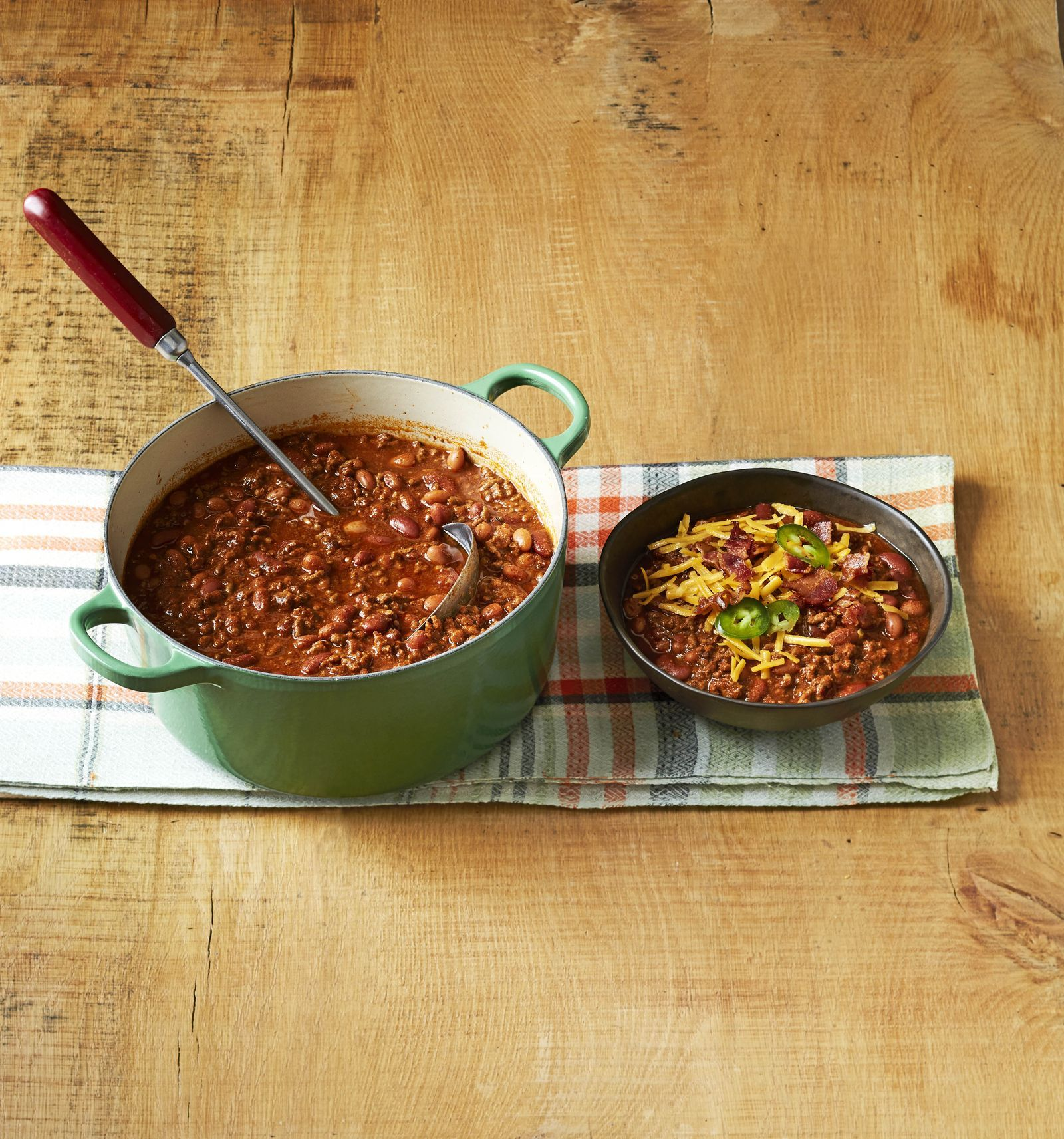 Beef And Bean Chili Recipe In 2020 Recipes Food Network Recipes Soup Recipes