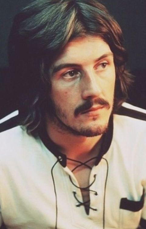 Led Zeppelin - John Bonham , one of the best drummers of all time