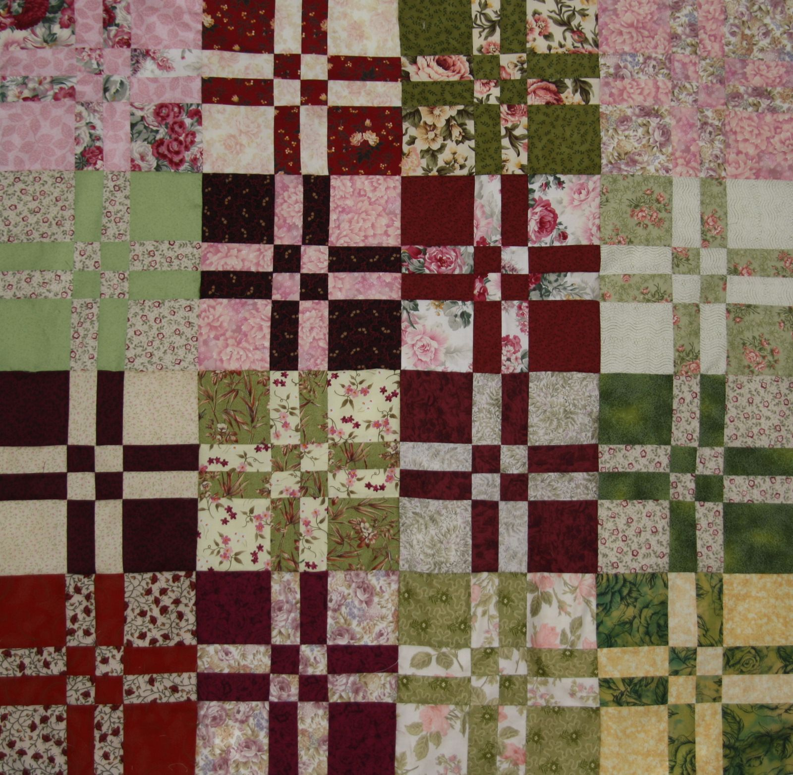 Disappearing Four Patch Quilt Gallery | Beth's Blog: Comfort ... : quilt photos galleries - Adamdwight.com