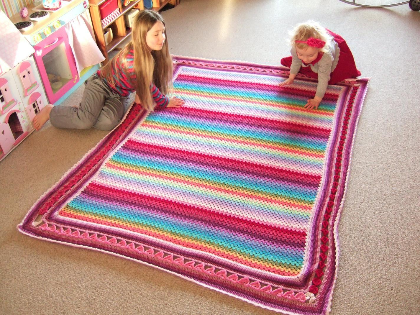 Free Pattern – Line of Hearts Crochet Edging | Rainbow Knits Thanks ...