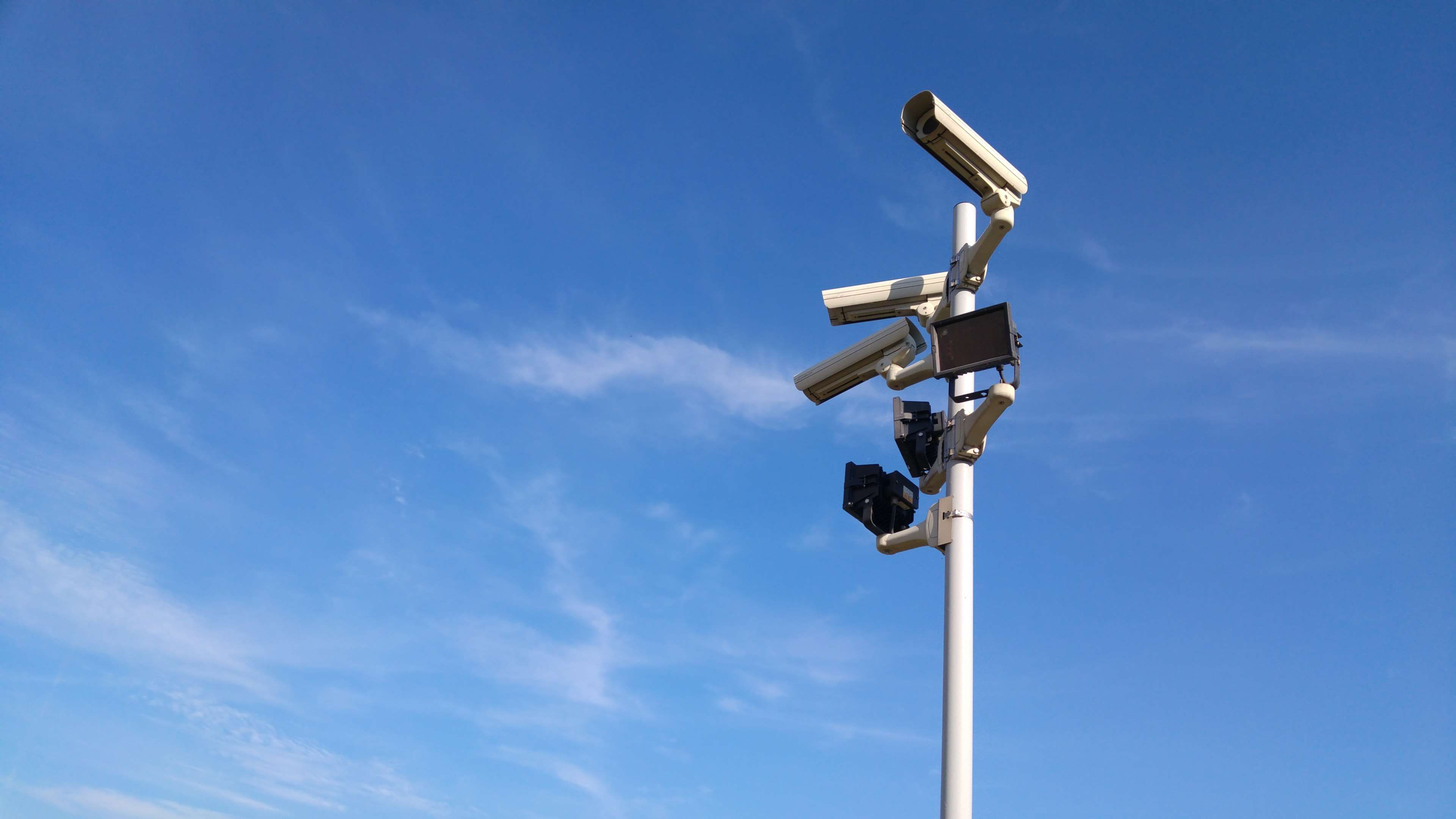 3840x2160 blue sky, camera, daylight, equipment, high