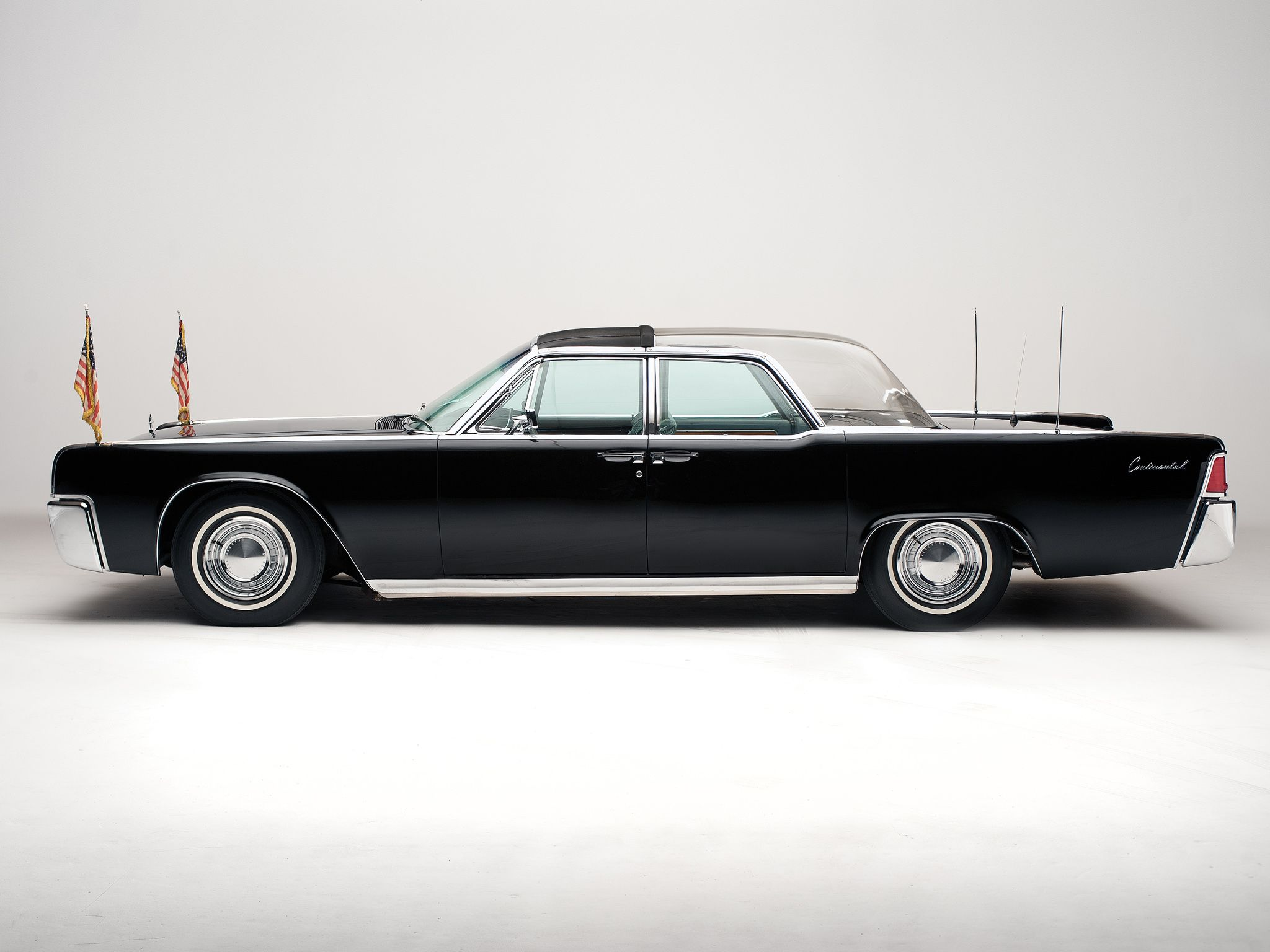 Lincoln continental bubbletop kennedy limousine 1962
