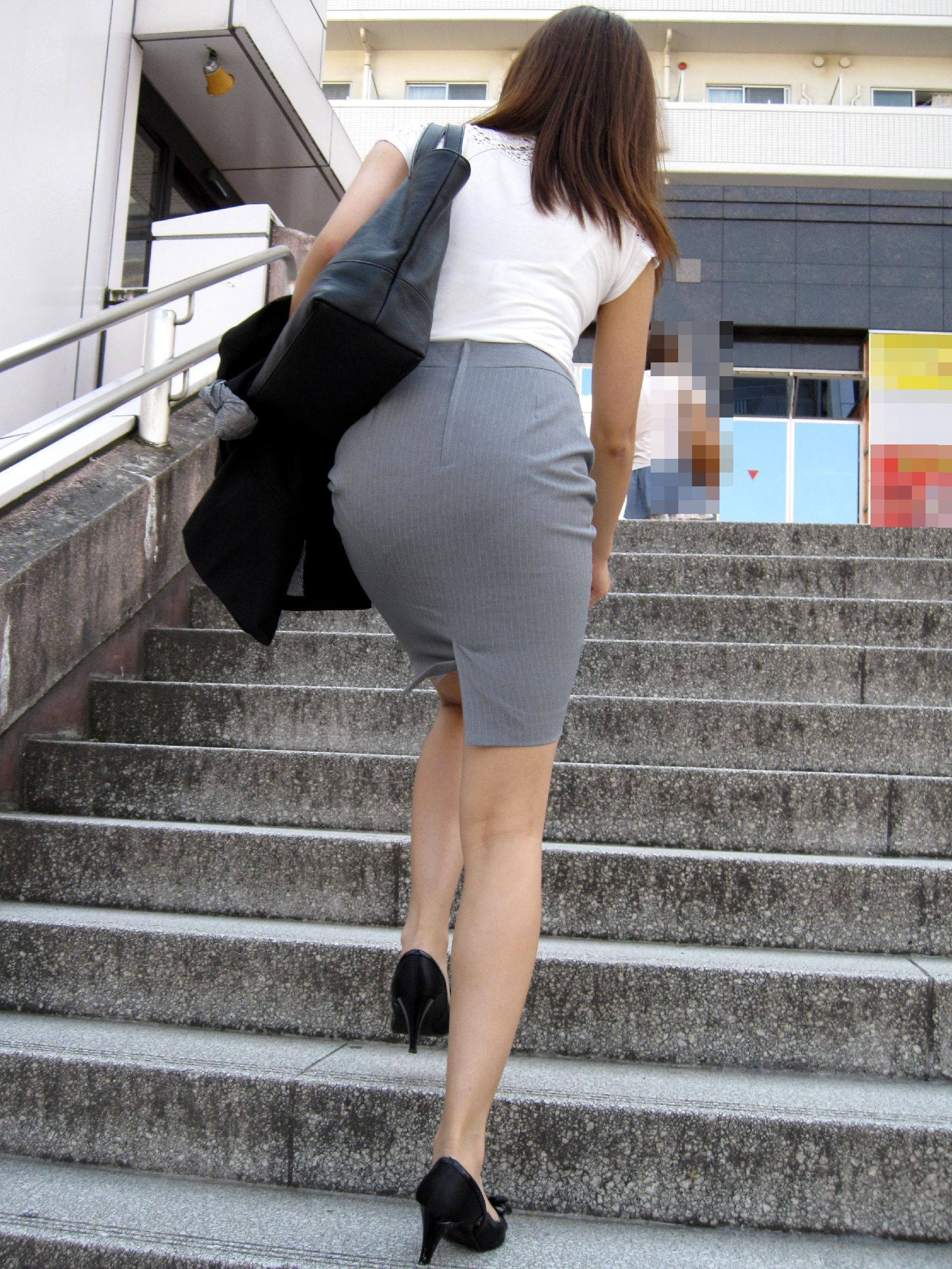 ass-in-miniskirts-sexy-cute-girl-perfect-ass