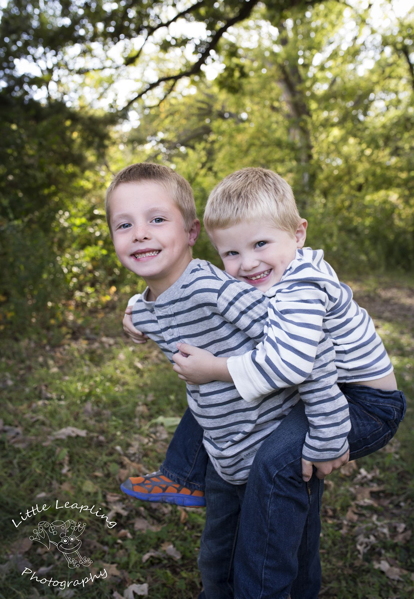 Awesome brothers pose love these cuties little leapling photography manhattan ks photographer