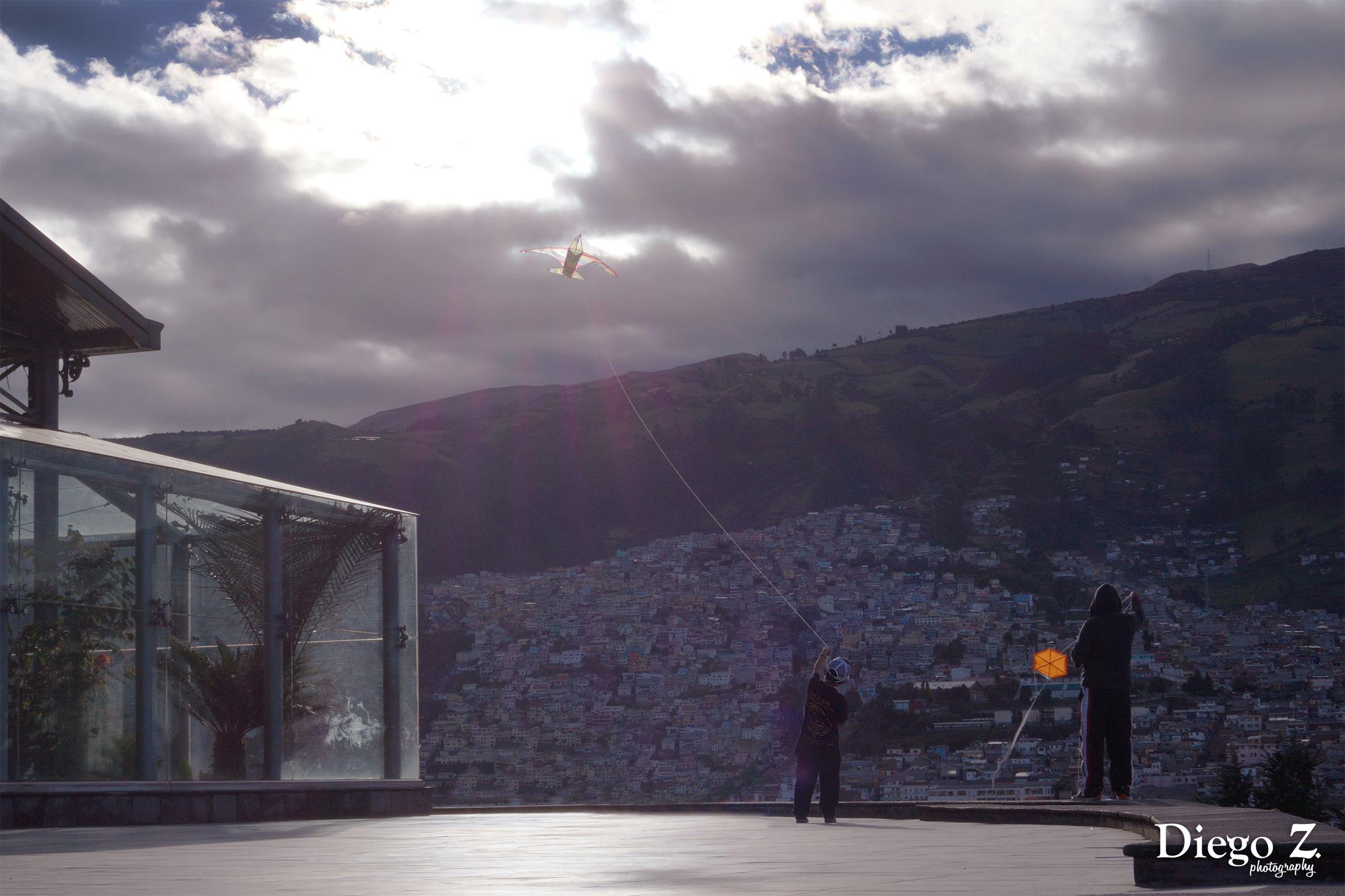 Volando Una Cometa Parque Itchimbia Quito Ecuador 2017