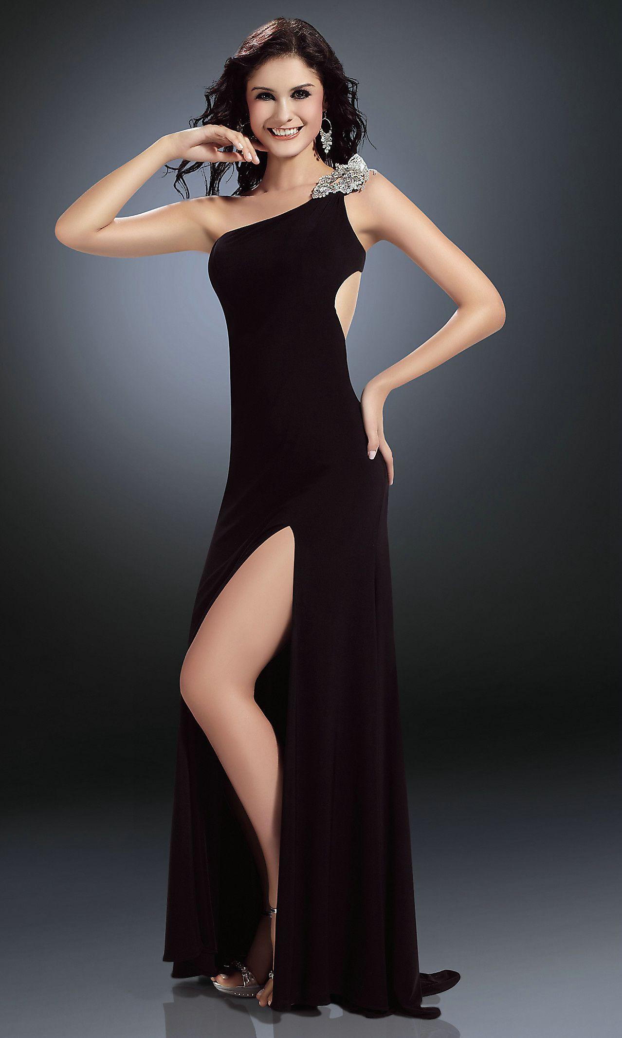30 Black Prom Dresses Ideas to Look Like Celebrities | Black love ...