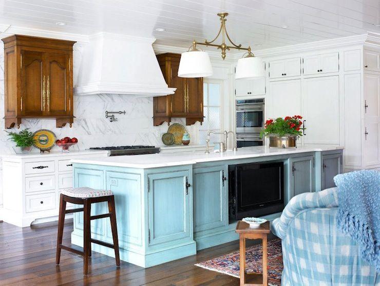 Turquoise Kitchen Island Cottage Kitchen Pulliam Morris Interiors Kitchen Design Home Kitchens House Of Turquoise
