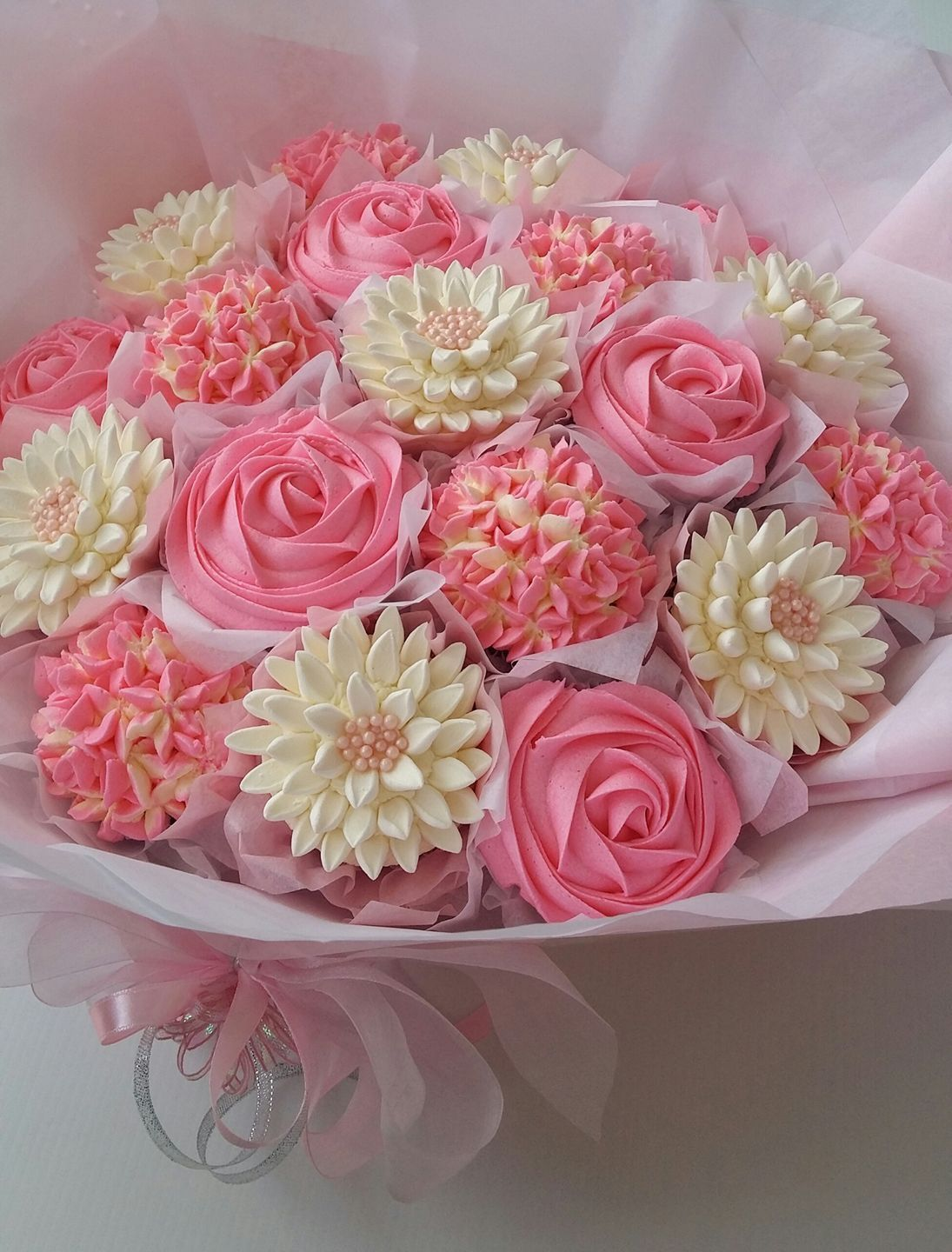 Para mony cupcakes pinterest cake cup cakes and decorating para mony cupcake flower bouquetsfloral izmirmasajfo Image collections