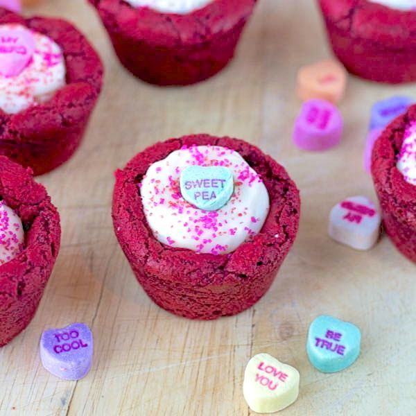 Yum, #RedVelvet Cookie Cups in honor of #ValentinesDay! // Two-in-the-kitchen.com- #ConversationHearts