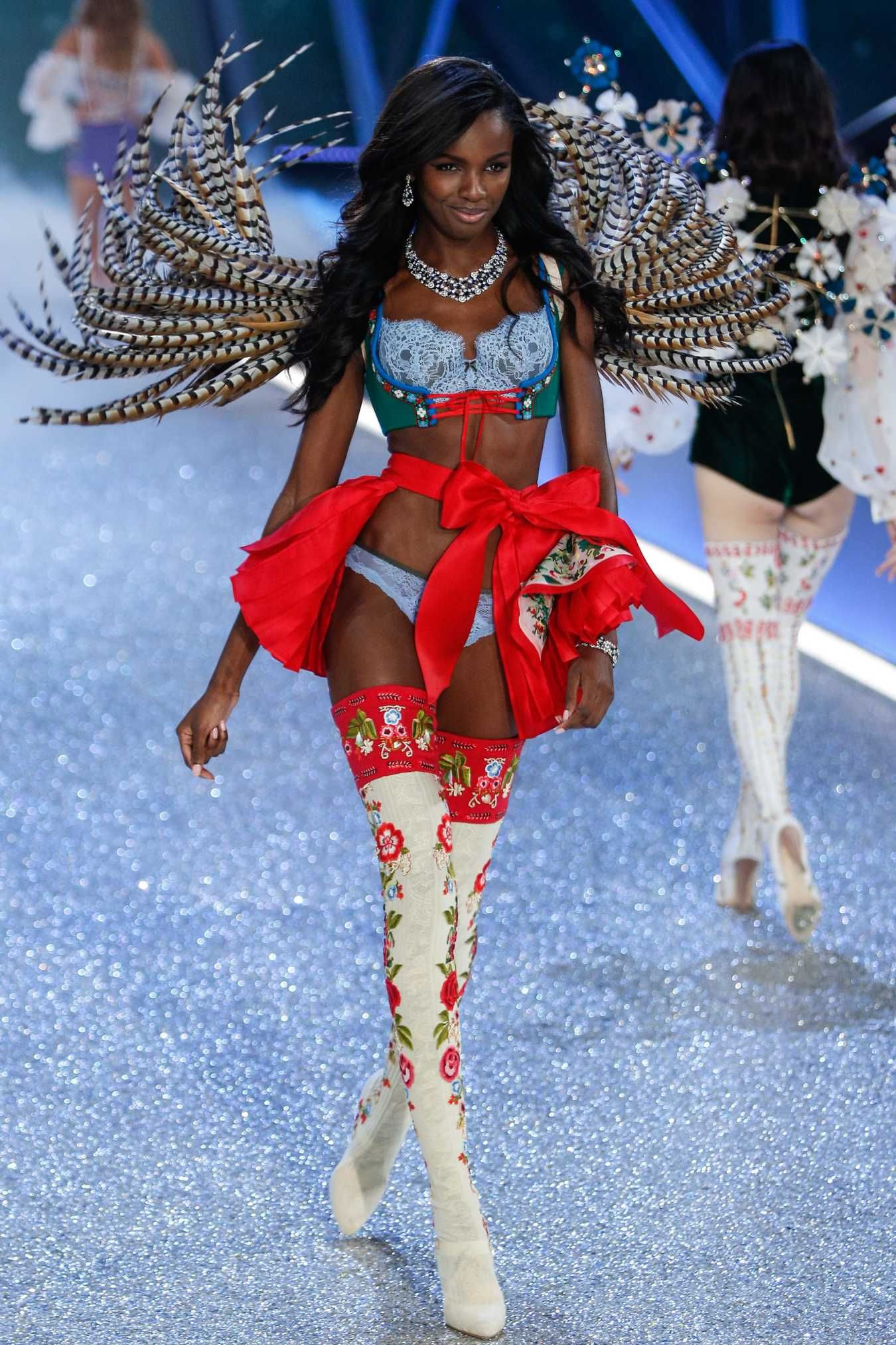 92cf9a2cc71 Leomie Anderson at the 2016 Victoria s Secret Fashion Show. Photo  Getty  Images.