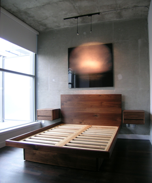 Queen Bed With Built In Side Tables Bed Has 4 Drawers In