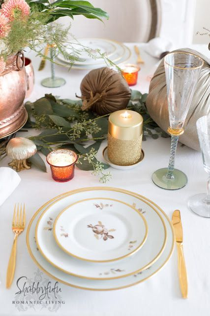 How To Set A Table For Thanksgiving. Elegant Dining Table Setting With  Vintage China And Plush Pumpkins.