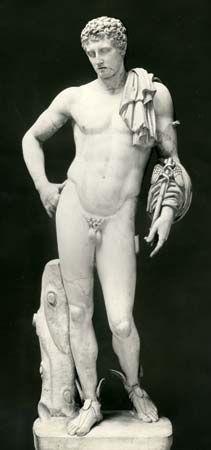Hermes (350 aC). Grecia Clásica. // Hermes es representado con sandalias aladas y con su caduceo. La escultura es una copia romana hecha en el siglo I dC de una escultura griega. Se encuentra ahora en el Museo Británico de Londres.