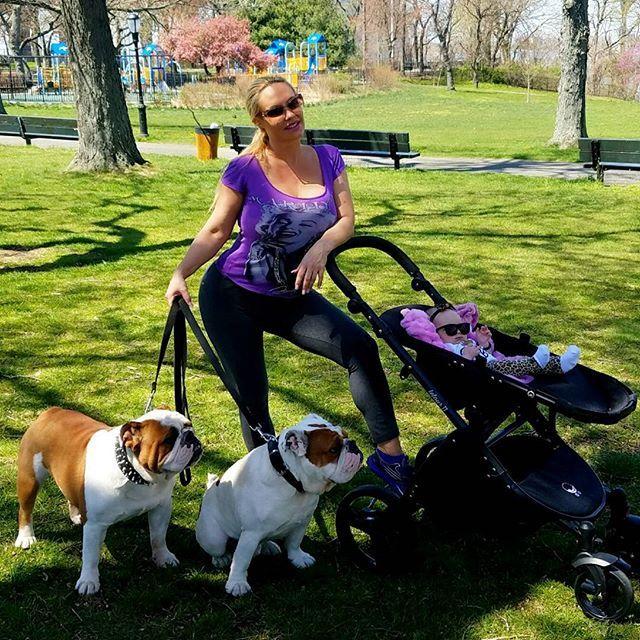 Me and my crew... Enjoying the simple things in life.. #walkInthepark