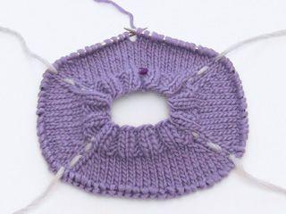 Wie man einen Pullover von oben nach unten (top down) strickt - DROPS Lektionen / Strickkurs