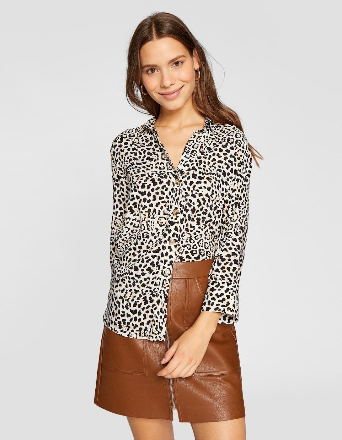 5b59f5ad74 Camisa leopardo
