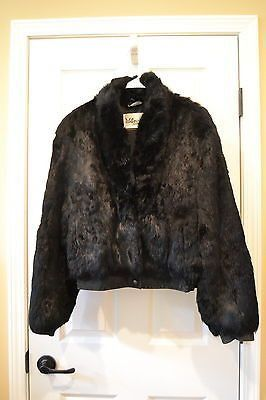 Wilsons Leather & Suede Dyed Black Rabbit Fur Jacket Size L Good pre-owned condition! This cute little black rabbit fur jacket has a suede band that hits th