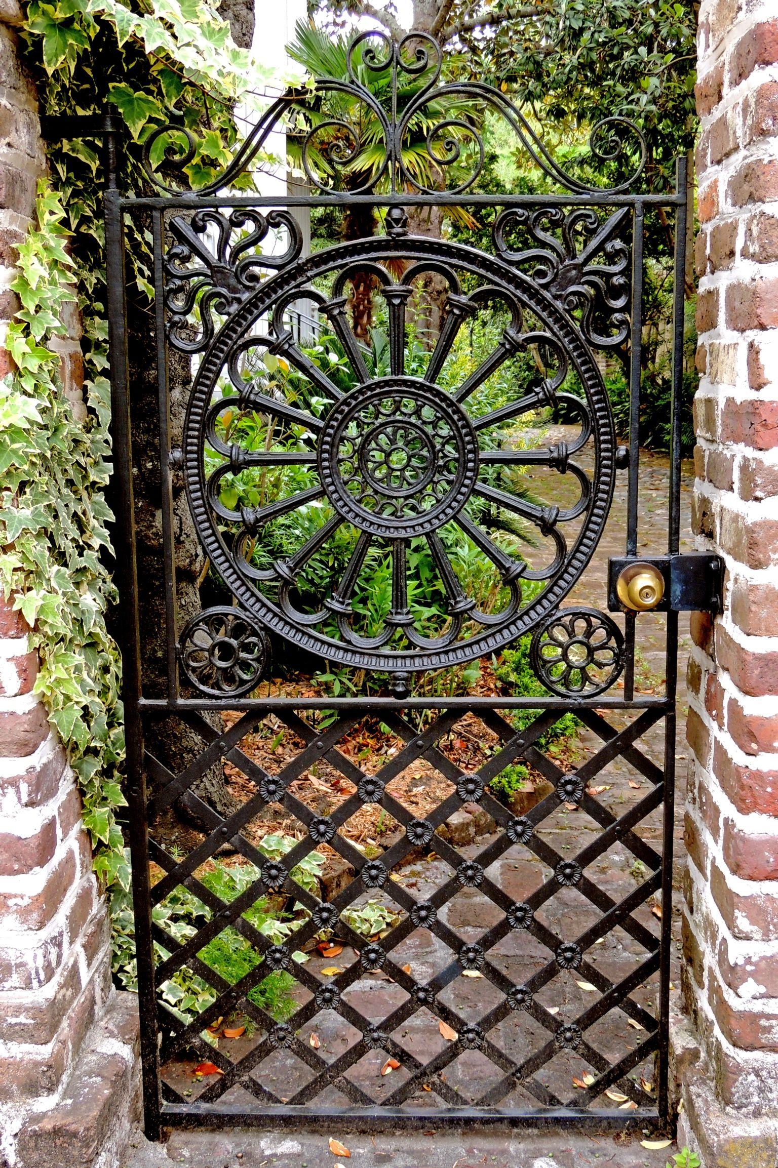 High Quality [I Love These Gates That Invite You To Come Look In. When We Visit  Charleston, We Must Be Sure To Allow Plenty Of Time There.] Garden Gate In  Charleston, SC