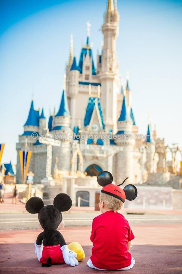 Pin By Jennifer Bott On Trip To Disney Disney Photo Ideas