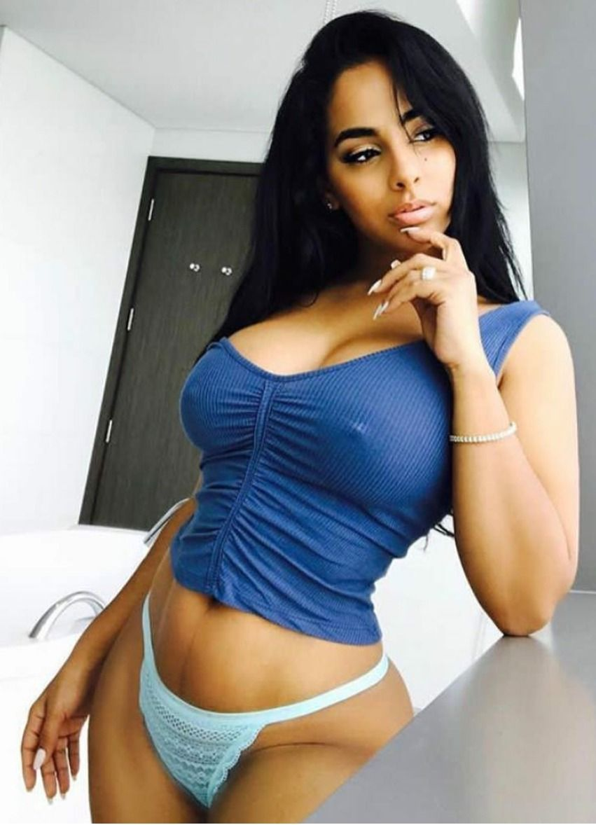 Not absolutely Sexy latina girl from empire properties