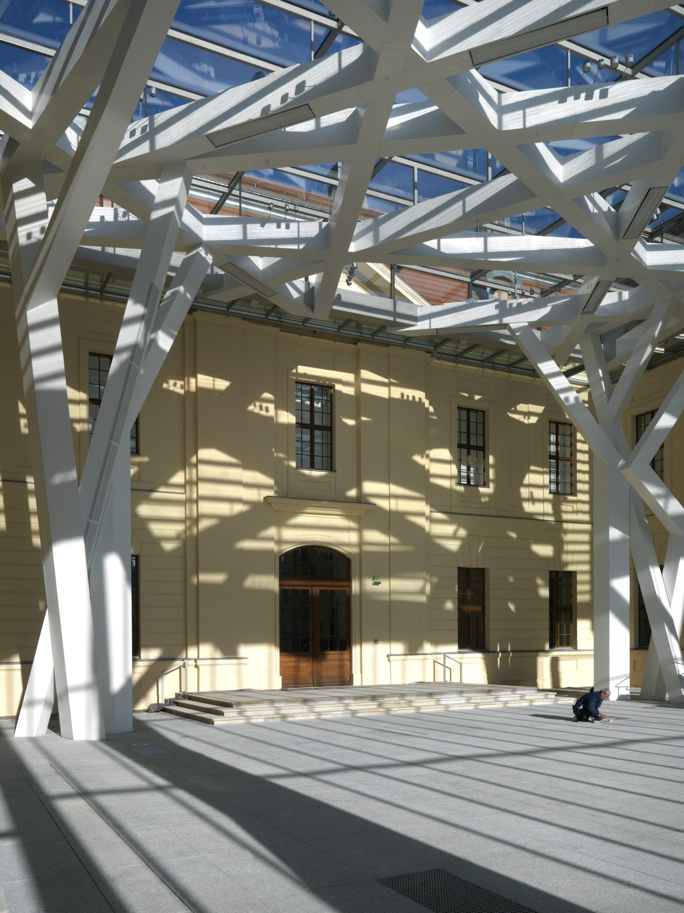 Glass Courtyard Jewish Museum Berlin Libeskind In 2020 Jewish Museum Berlin Glass Building Architecture