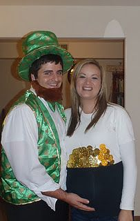 Great idea for Halloween costume if youu0027re pregnant! Leprechaun and Pot of Gold  sc 1 st  Pinterest & Great idea for Halloween costume if youu0027re pregnant! Leprechaun and ...