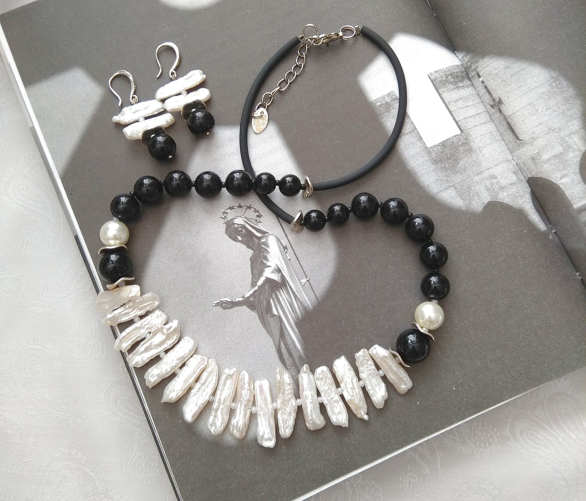 Casual style Biwa pearls pearl necklace freshwater