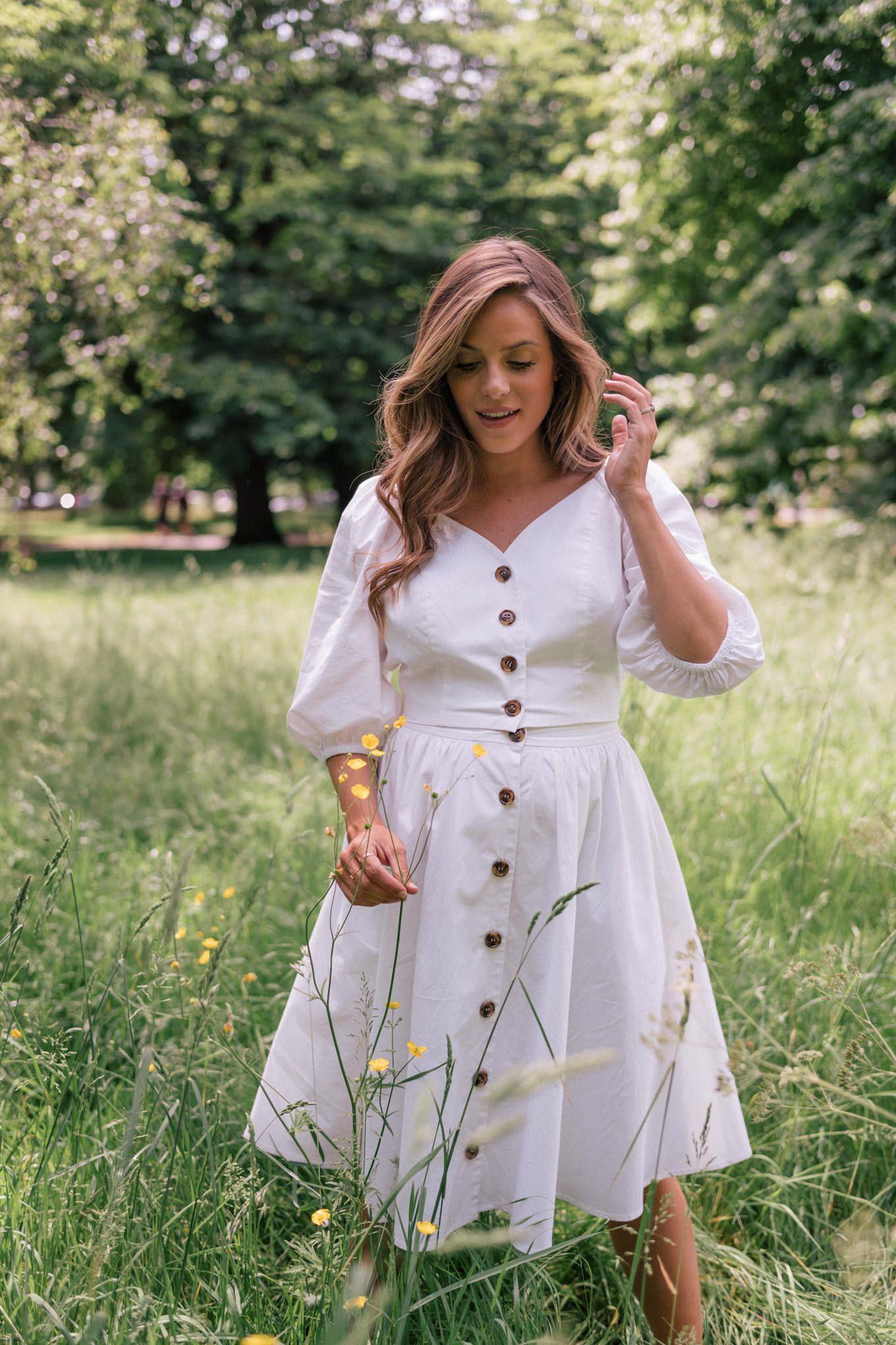 A Summer Picnic In Hyde Park Julia Berolzheimer Picnic Dress Dresses Modest Clothing Women [ 2040 x 1360 Pixel ]