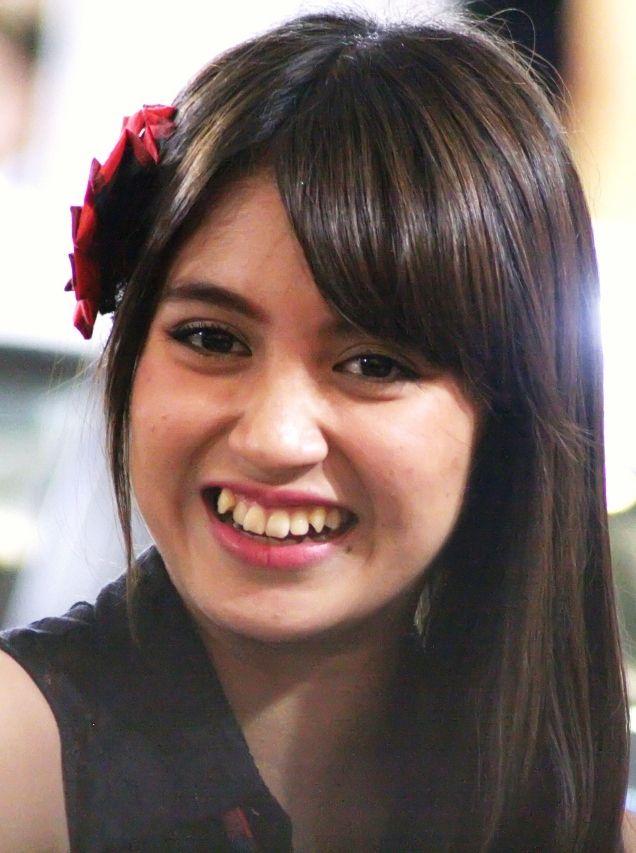 Profil Dan Biografi Nabilah Ratna Ayu Azalia Anggota Jkt48 Artis Wanita Kecantikan