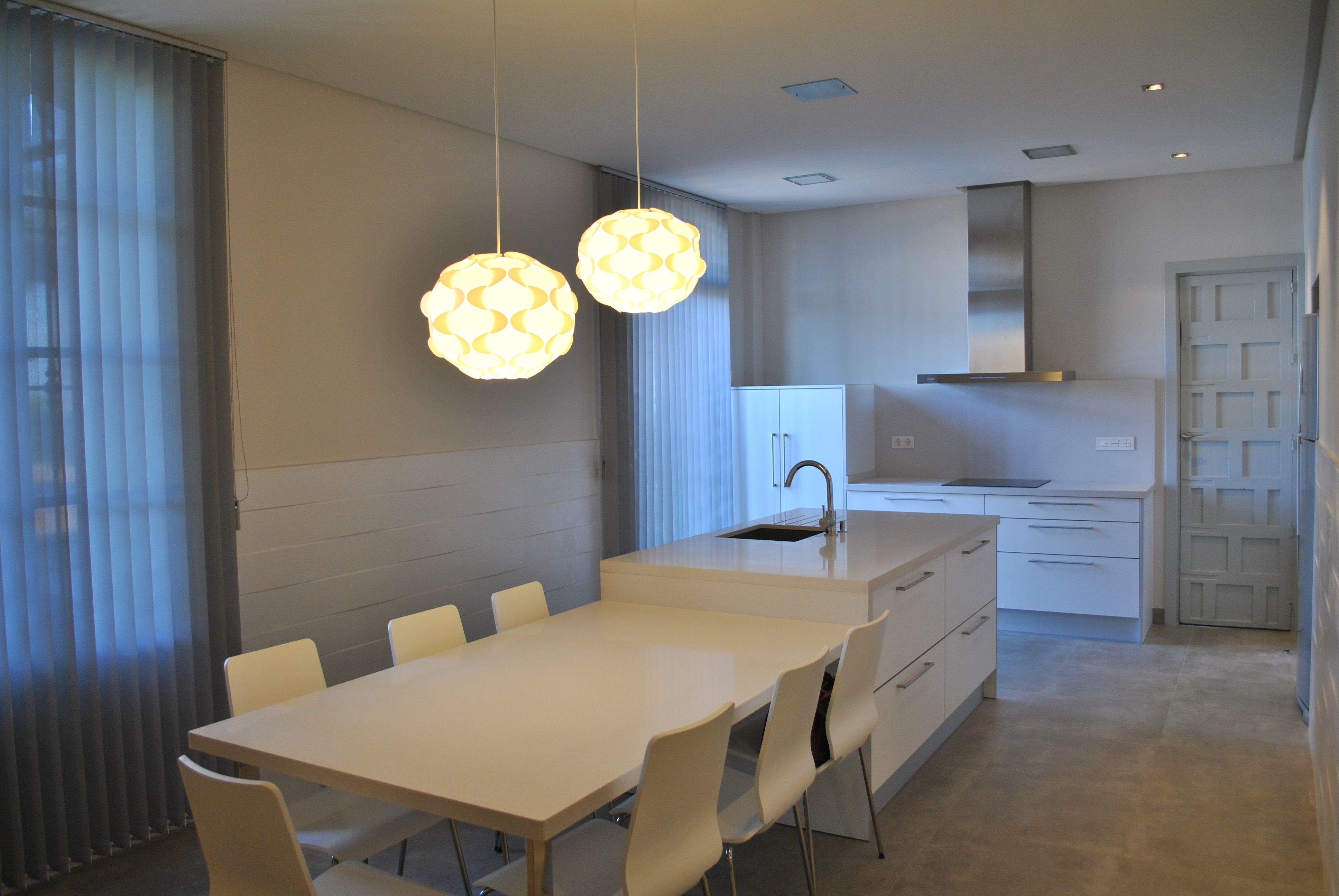 Cocina office con mesa adosada a isla | Proyectos que intentar ...