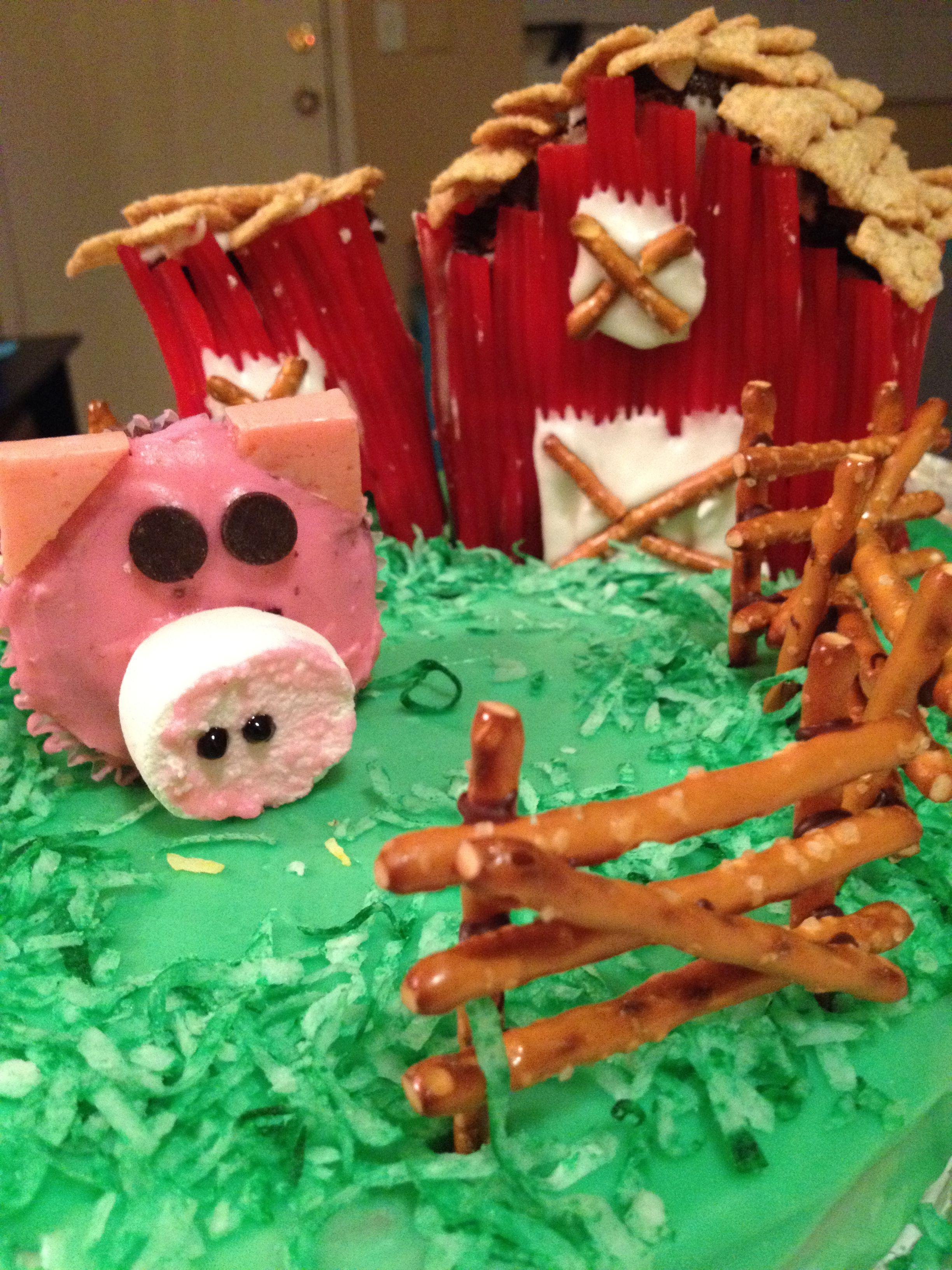 Barnyard cupcakes/cake Barnyard cake, Barnyard cupcakes