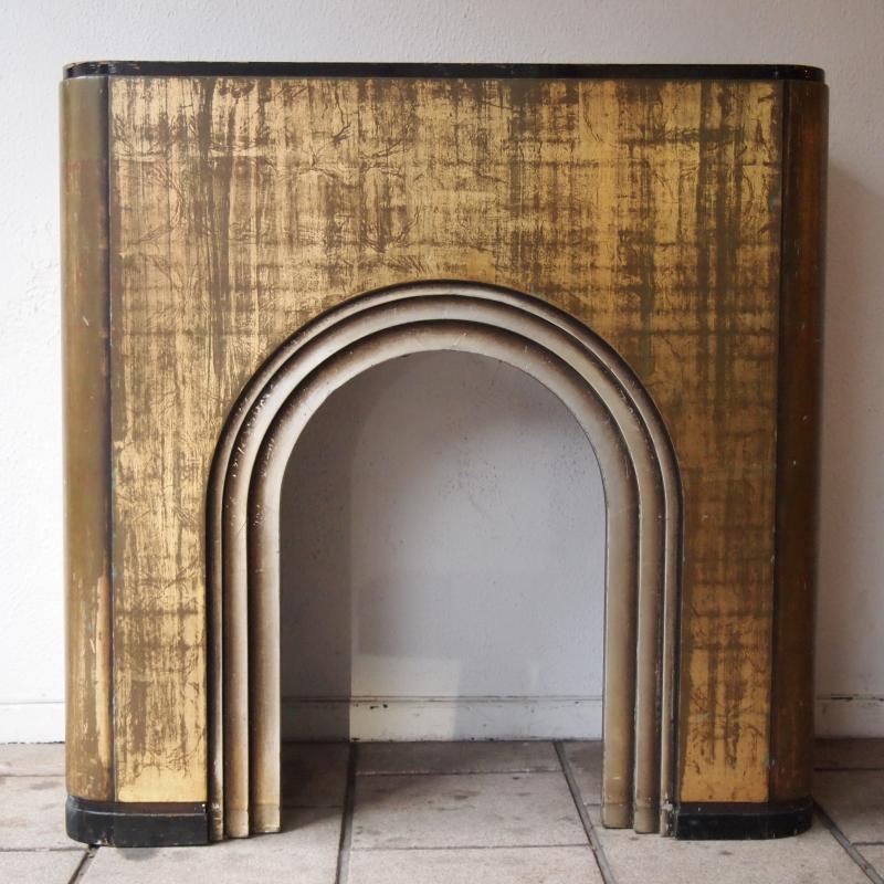 Lot : Manteau de cheminée Art-Déco / bois laqué doré à la feuille d ...