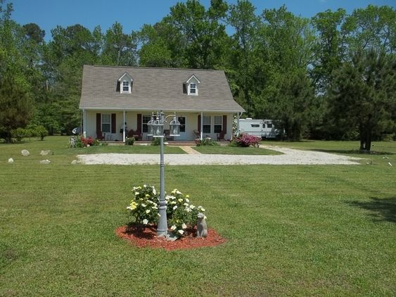 Lovely Home On 6 Acre Horse Farm In Lumberton N C For Sale Farm For Sale In Lumberton North Carolina Horseclicks Horse Farms Horse Property Acre