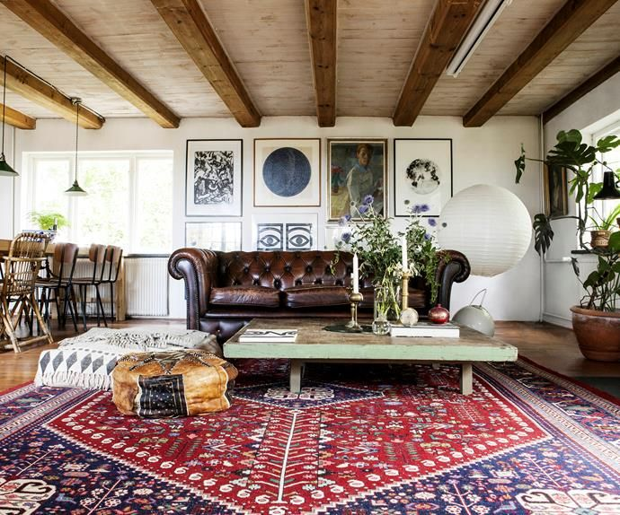 A rustic farmhouse filled with vintage finds #overgrownaesthetic