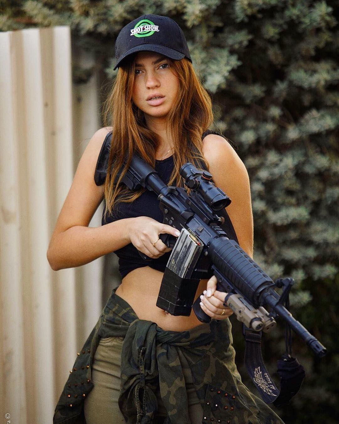 Girl with gun pic