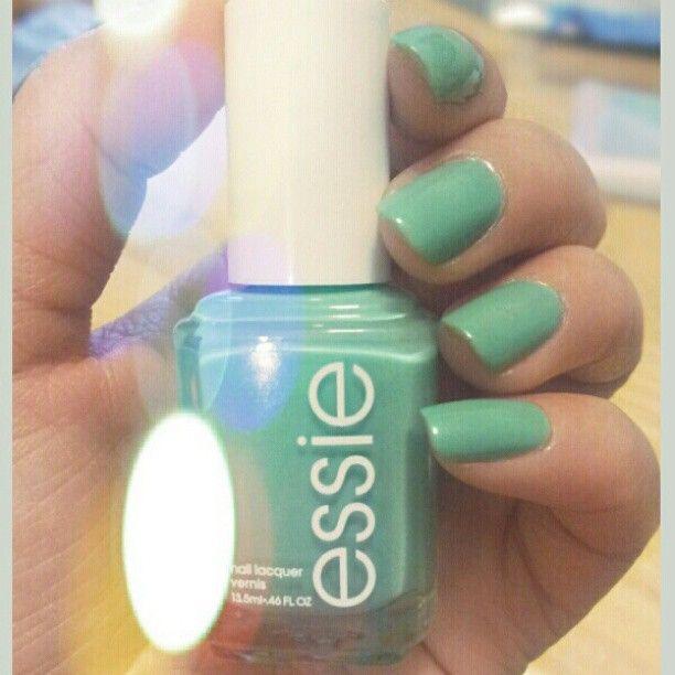 #nailOFtheDay #Essie in turquoise & caicos