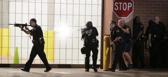 Ce que l'on sait sur les policiers pris pour cible par des snipers à Dallas Check more at http://www.lemonde.fr/ameriques/article/2016/07/08/ce-que-l-on-sait-sur-les-policiers-pris-pour-cible-par-des-snipers-a-dallas_4965954_3222.html#xtor=RSS-3208