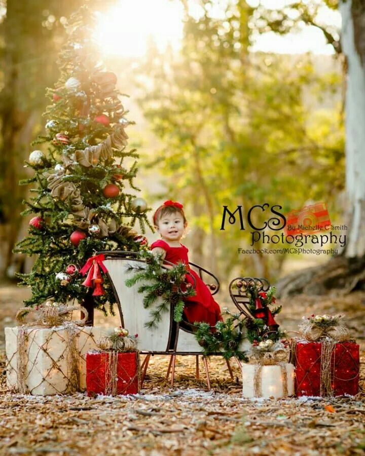 Christmas Sessions 2014 Loving My Setup This Year Please Follow Me On Faceb Christmas Photography Props Christmas Mini Sessions Outdoor Christmas Photo Props