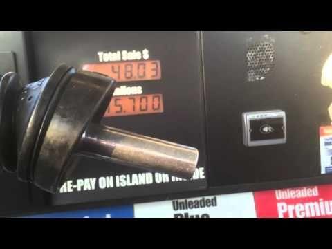 Varo tätä huijausta huoltoasemalla - laskutetaanko sinua turhasta bensapumpulla! http://www.topgearsuomi.fi/content/varo-tata-huijausta-huoltoasemalla-laskutetaanko-sinua-turhasta-bensapumpulla