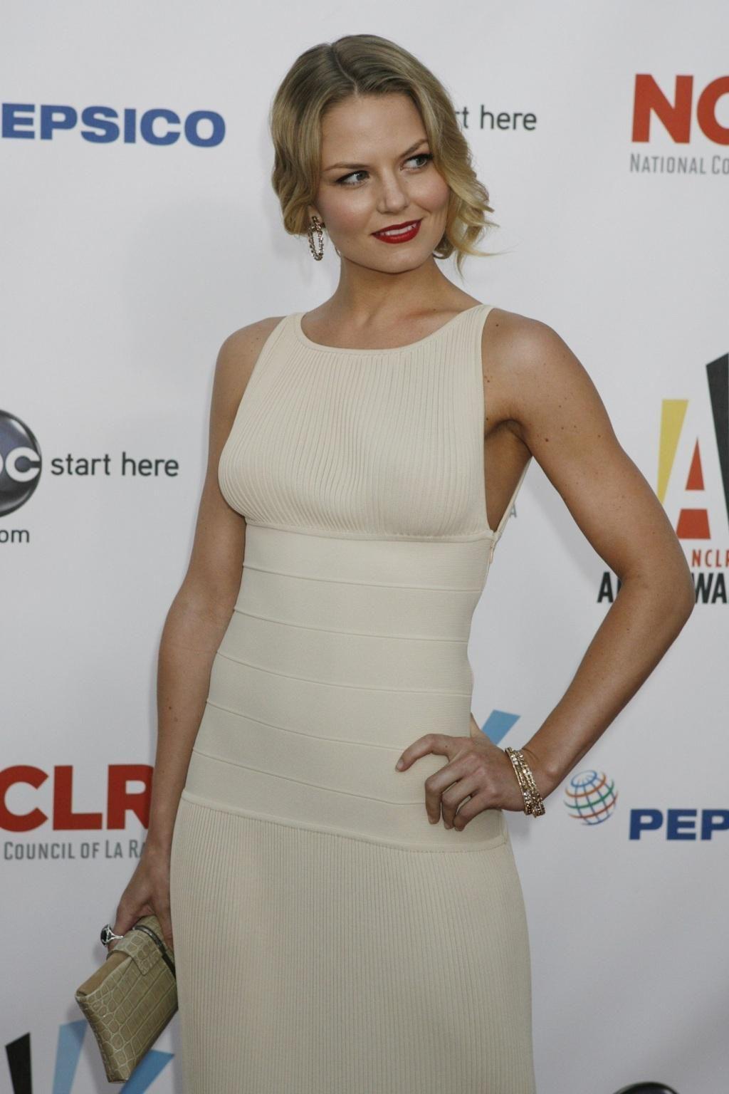 Charming seductress Jennifer Morrison