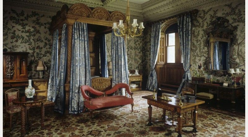 Location - Castle · The State Bedroom, showing late 18th-century hand painted chinese wallpaper