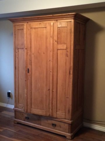 Gorgeous antique armoire dressers, wardrobes Guelph Kijiji