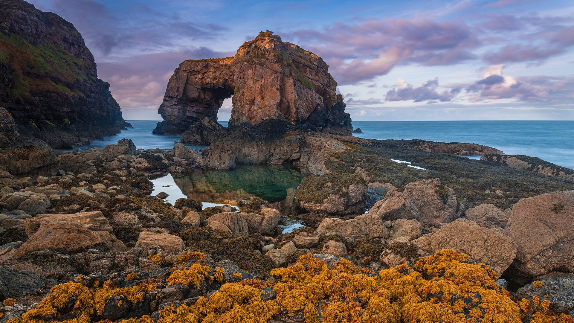 Great Pollet Arch, Fanad Head, Ireland. [Desktop wallpaper