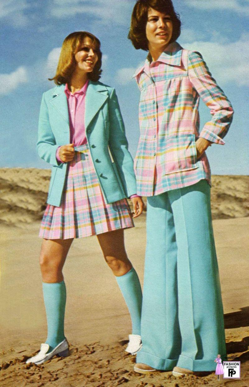 Vintage Kleider Aus Den Verschiedenen Dekaden Des 20 Jh Fruhe 70er