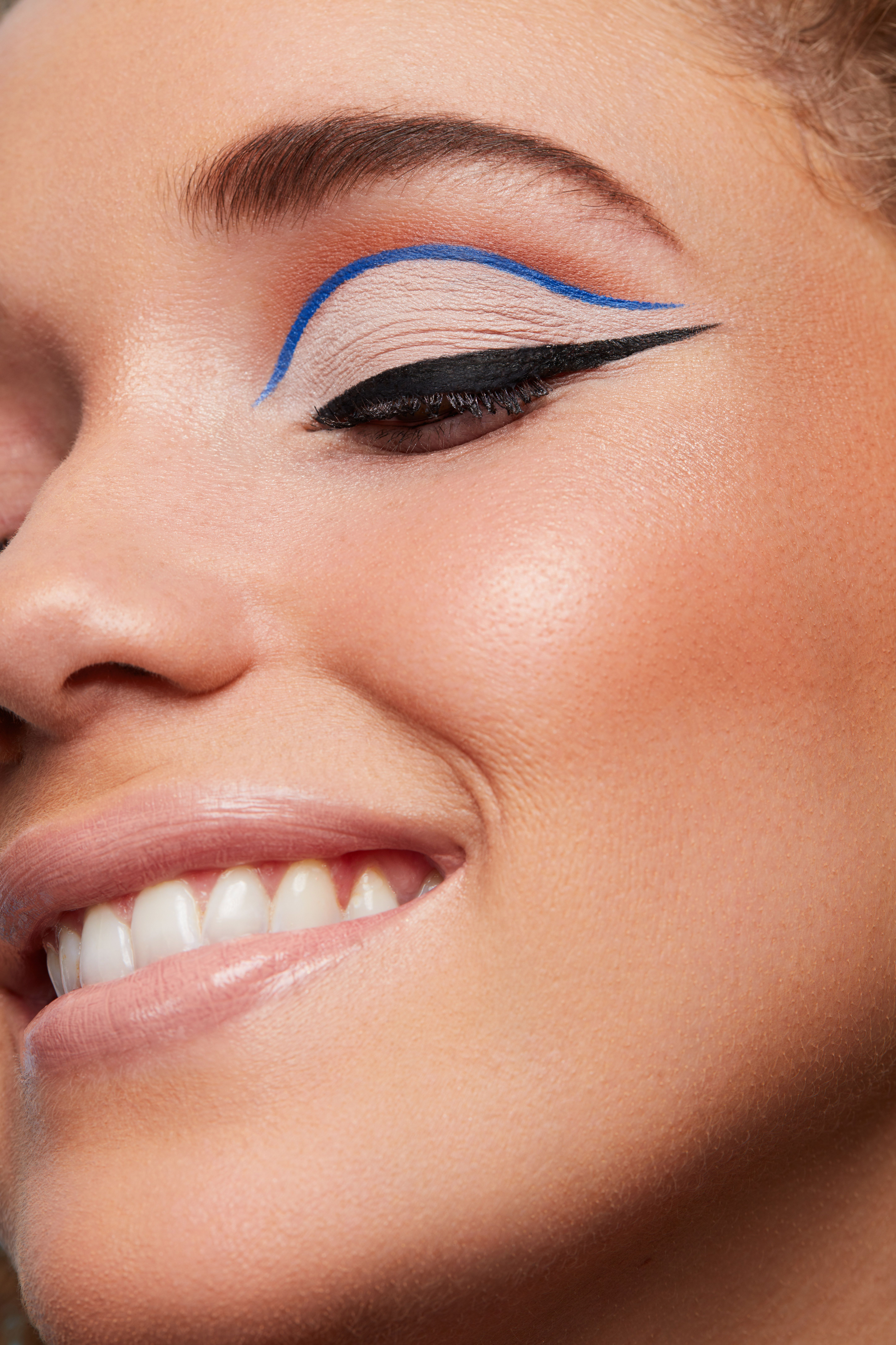 Perfect Point Eyeliner shade Bold Cobalt & Get in Line