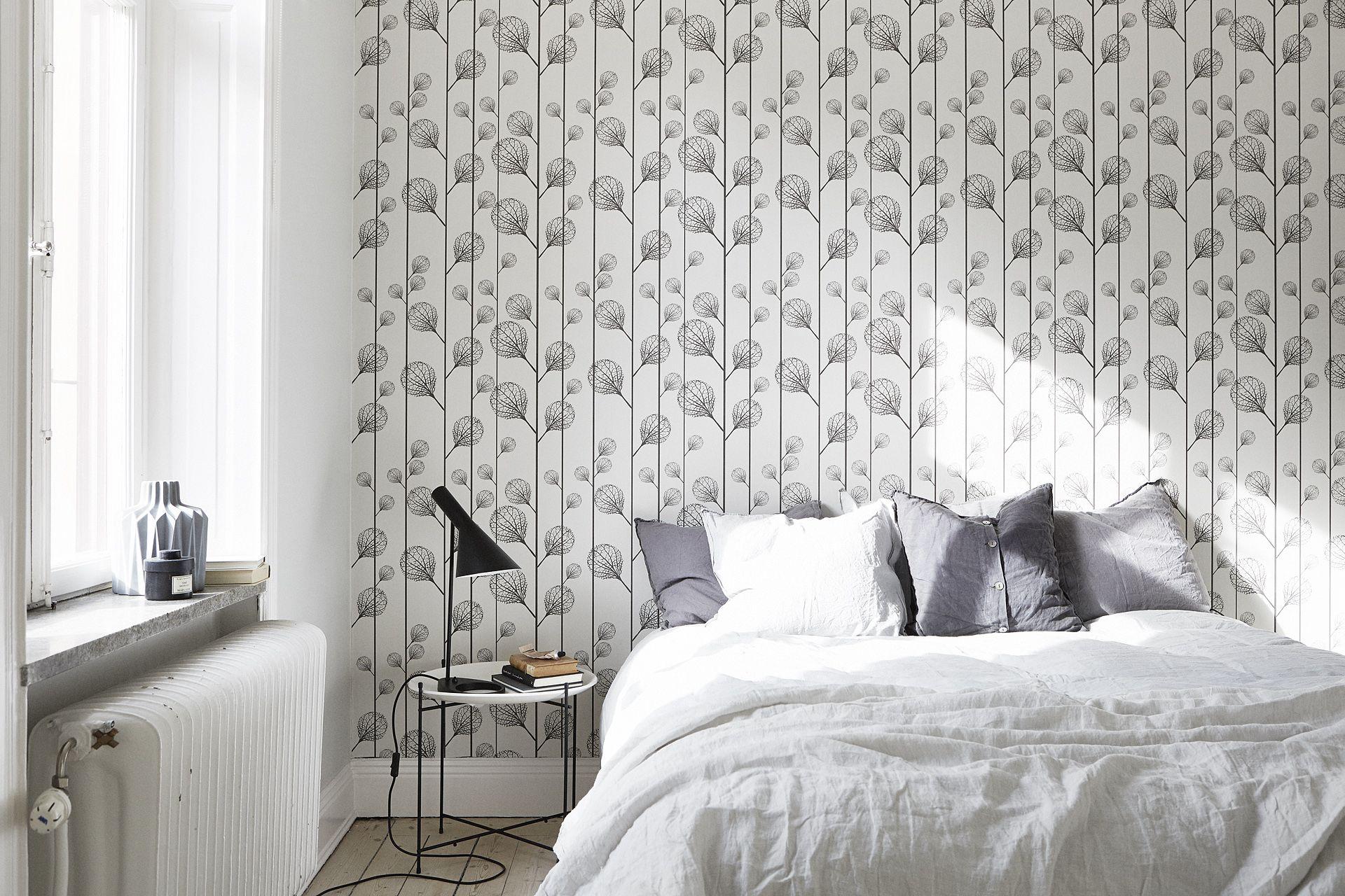 Scandinavische slaapkamer met mooi behang | Slaapkamer ideeën ...