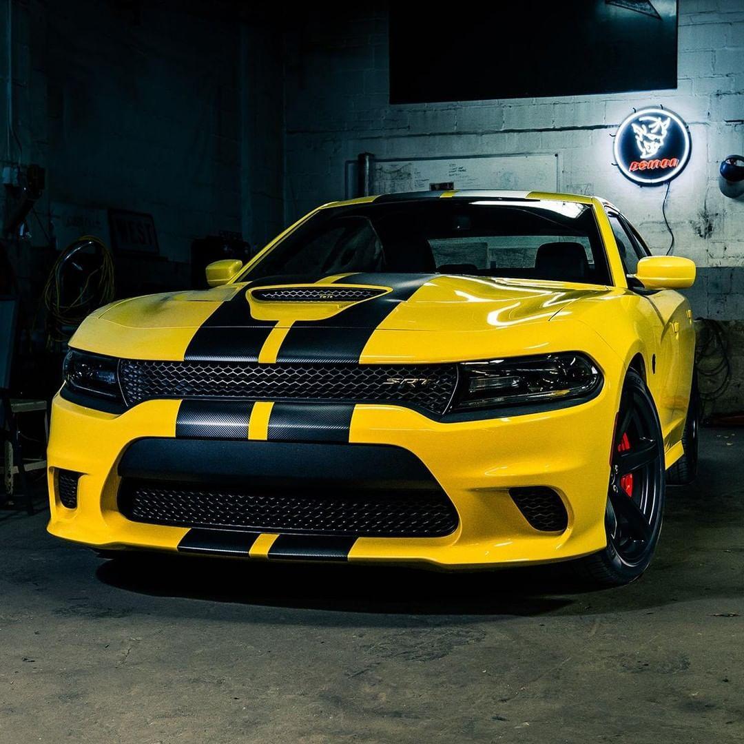 Epic Strength Dodge Charger Dodgecharger Srt Hellcat Carsofinstagram Cargram Instaautos Instaca Dodge Charger Hellcat Dodge Charger Dodge Charger Srt