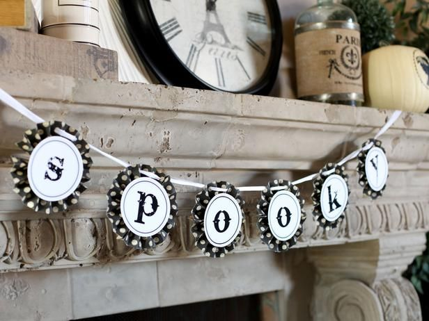 Print the letters on card stock. Make the ruffled border with a sheet of decorative paper cut into strips, accordion-folded, then glued to the back of each letter. Punch a hole in the ruffles and thread a piece of ribbon or twine through for hanging. #FoPRR
