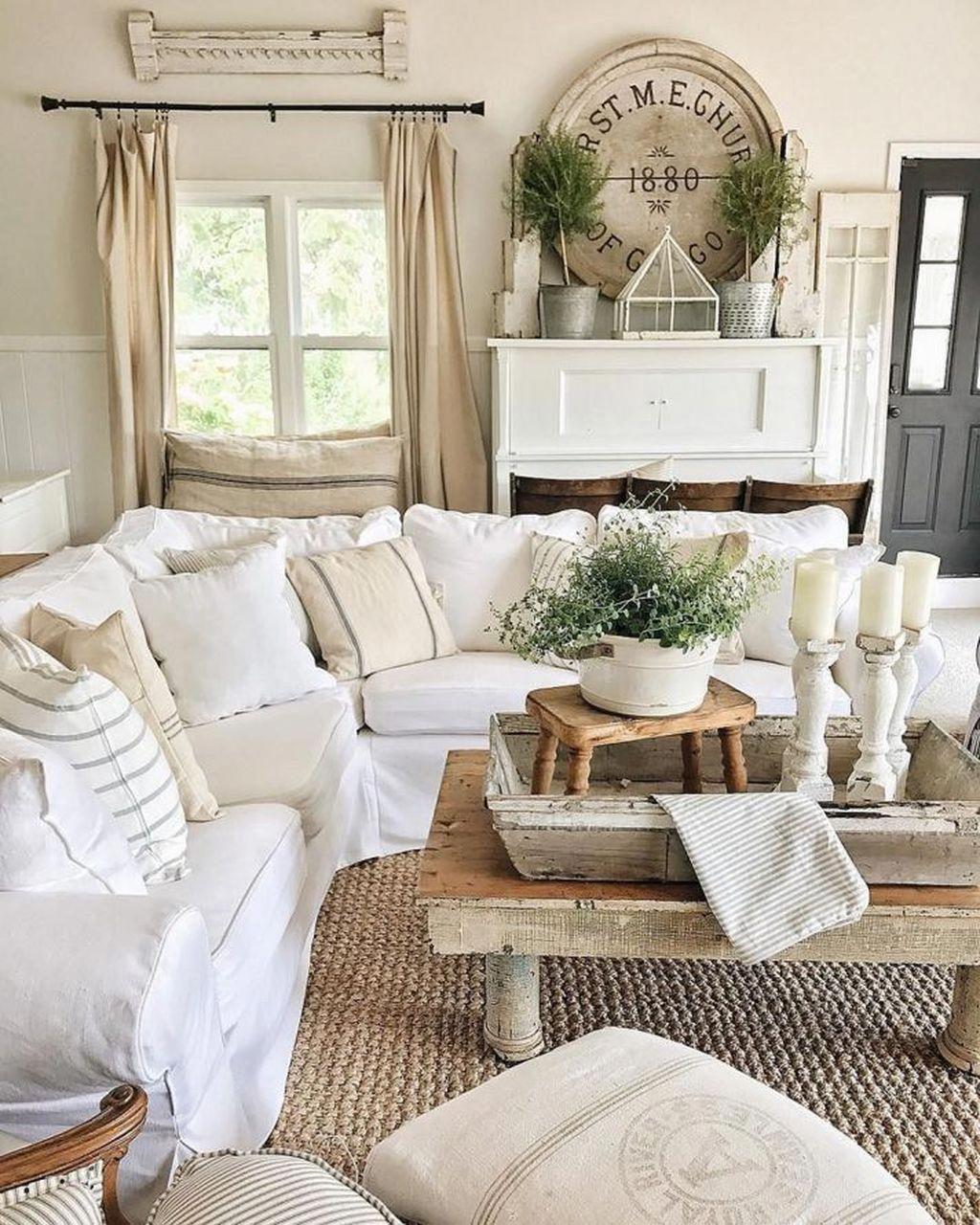 Cool 37 Fabulous Shabby Chic Farmhouse Living Room Decor